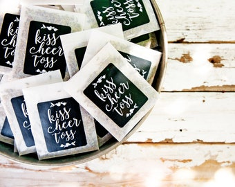 Wedding Send Off - Wedding Reception - Kiss Cheer Toss - Petal Toss, Confetti Exit Alternative, Dried Lavender - 25 personal packets