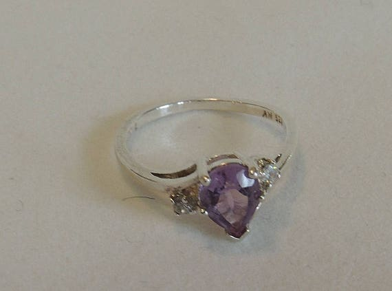 Vintage Sterling Silver 925 Teardrop Amethyst Ring.. Size 7.5 (#48)