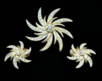 Vintage SIGNED Sarah Coventry Brooch Earring Set, Swirl Brooch, Large Brooches, Vintage Brooch, Demi Parure, Clip On Earrings, Jewelry Set