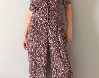 1980s Liz Claiborne jumpsuit || peter pan collar button front cropped romper