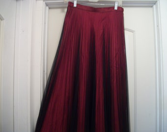Retro 90s Beautiful STEAMYPUNK SPANISH RED W Black Pleated Fine Netting on Top Long Skirt, Adrianna Papell, 8