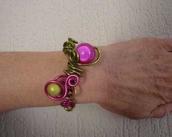 Wedding green and pink aluminum Wire Bracelet