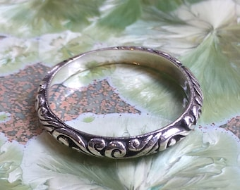Sterling Silver Band, Simple Silver Band, Oxidised Silver Ring, dainty Band, Silver Wedding Band, Grooved Silver Band, filigree Ring RC174