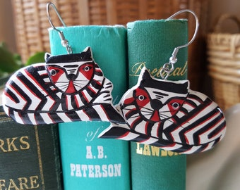 Vintage cat wood earrings - hand painted - art cats - light weight - red black and white