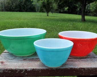 Set of 3 Vintage Pyrex Primary Color Nesting Bowls, 401, 402, 403, Green Red Blue