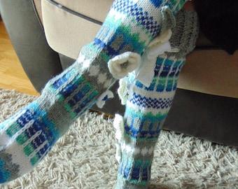 Hand knit knee socks. House knee socks. Flower knee socks. Woman, girl socks. Leg warmers. Hand knit knee warmers. Wool socks.