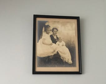 1922 Photo of Mother & Children signed by Photographer