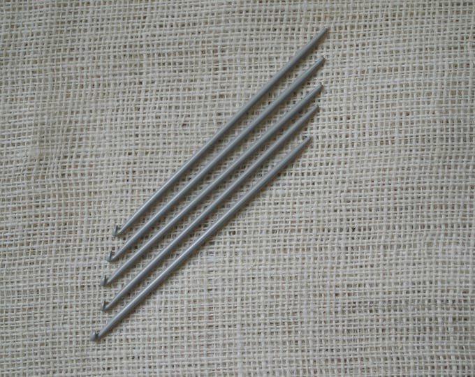 Knitting Needles with Hooks at the End - Traditional Portuguese Knitting 3.0 mm