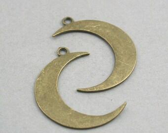 4 Moon Charms Large Crescent Moon pendant beads Antique Bronze 32X43mm CM0738B