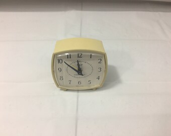 Vintage WESTCLOX NAP White/Cream Plastic Wind-up Alarm Clock   - Free Shipping!!