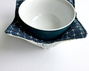 Hot & Cold Bowl Cozy - Navy and Circles