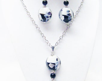 Clear/White/Black Foil Lined Disc Glass Bead Pendant Necklace & Earrings Set