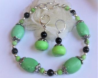 Green Turquoise Healing Bracelet and Earring Jewelry Set, Sterling Silver, Boho Chic Bracelet, Stone Bracelet, Healing Gemstone Jewelry