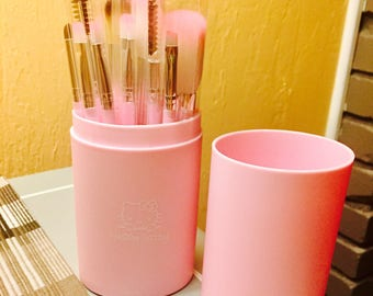 Hello Kitty 12 Piece Makeup Brush with Travel Barrel Case