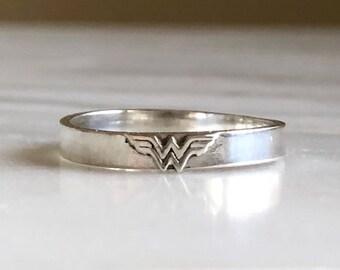 Sterling Silver Wonder Woman Ring, Wonder Woman Band, Superhero Ring, Superhero Jewelry, Comic Con Jewelry, Superhero Ring, Novelty Ring