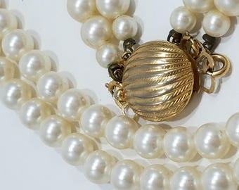 Classic & Convertible Sarah Coventry Faux Pearl Necklace