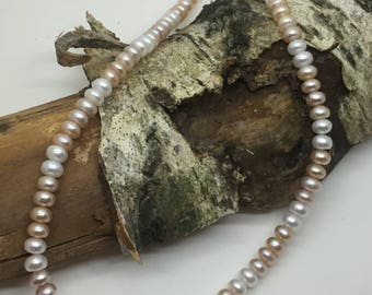 Cultured pearl, large button string in 3 tonal colours
