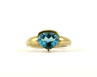 Vintage Pear Shape Blue Crystal Gold Plated Ring 925 Sterling Silver RG 608