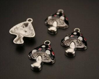"""6 """"mushroom"""" silver-plated enamel charms. (ref:3018)."""