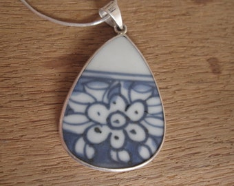 "Sterling Silver Heavy Blue White Enamel Floral Pendant Necklace 18"" (2753)"