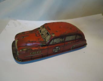 Vintage Lupor Tin Litho Wind-up No 7 Fire Dept Chief Car FD 610, collectable