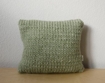 Knitted pillowcover | mint green, pastel green