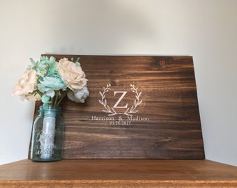 Floral wreath with name -GUEST BOOK ALTERNATIVE - Wedding Guest Book Sign - Unique Wedding-Rustic Guest Book-Personalized Wooden Guest Book