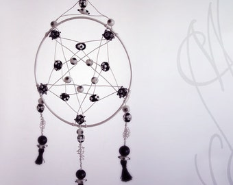 """Handcrafted and eccentric dreamcatcher - """"An eye protects my dreams"""""""