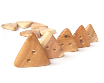 Buttons from juniper, Triangular Buttons, Juniper button, Wood Button, Natural Wooden Button, Eco Friendly, Set of 5