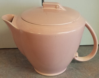 Art Deco Vernon Kilns Ultra California Covered Pitcher Carnation Pink 1937-1942 LARGE 9 cup