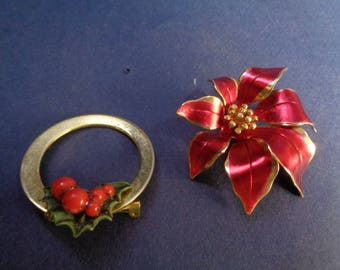 2 Vintage Christmas Pin Brooch, Holly Pin & Holly Wreath Brooch, Vintage Christmas Jewelry, Christmas Gift For Her, Gift Ideas For Mom