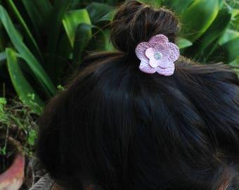 Leather hair Accessories, Hair Ties, Leather Hair Tie, Hair Elastic, Pony Tail Holder, Hair Tie, Leather Tie, Tie, Gold Tie, Flower