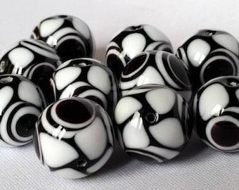 10 pcs, murano glass beads, black and white - 0041
