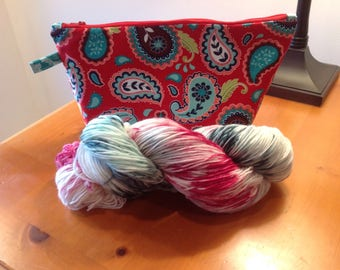 Knitting project bag with yarn