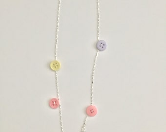 Long chain buttons necklace