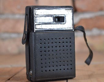 Transistor Radio - Distressed Pocket radio - Pocket Radio - Original Case Radio - Portable Radio - Hong Kong radio - Old transistor radio