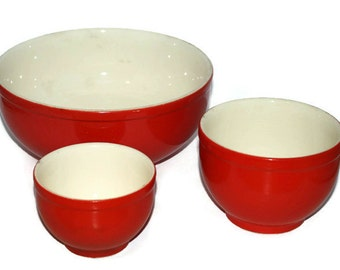 Hey, It's Red! Universal Cambridge Ovenproof Nesting Mixing Bowls in Tomato Red and Cream