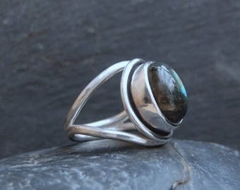Handmade Labradorite and Sterling Silver Ring