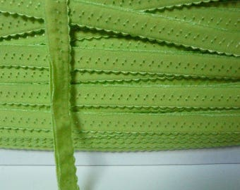 Through elastic 12 mm Green Apple edge rounded by the yard