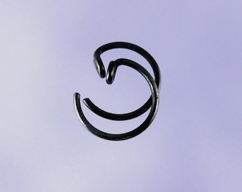 Black KISS3: Tiny pseudo-sleeper black niobium earrings