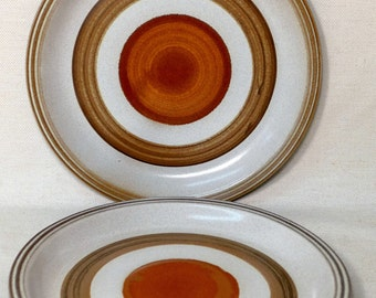 """2 Large Denby Potters Wheel Rust Red Dinner Plates 10.5"""" Earthenware 70s Mid Century Modern Hall Artisan England"""