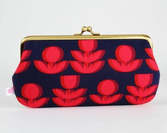 Frame purse with two sections - Retro flowers in pink and navy - Wowlet / Kisslock wallet / Japanese fabric / Ellen Baker / Purple red pink