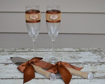 rustic cake knife and Mr and Mrs glasses,  customized vintage wedding cake serving set burlap and lace