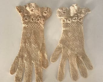 Vintage Lace Gloves, Vintage Womens Apparel, Wedding Gloves, Hand Crochet Gloves, Romantic Lace Gloves, Crocheted Lace Gloves Wrist Length