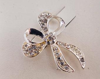 Silver Bow Brooch / Pin