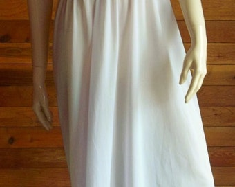 Vintage Lingerie 1950s ADONNA Ruffled Nightgown Size 32 Style 3275