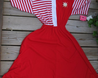 Gift it SAILOR dress, RED TEE tshirt dress Like New with Store Tags / nwt Tag, nwt, Red Nautical dress from the 1980s 80s