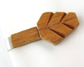 Neat Tie Clip Bar Clasp Silver Tone with Wood Leaf Shape Fall Autum Jewelry