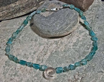 Apatite chain with elements of 925 silver