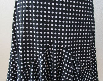 Mini black and white poka dot skirt plus made in USA (vn45)